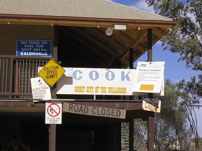 Cook, ghost town, Nullarbor Plain (image)