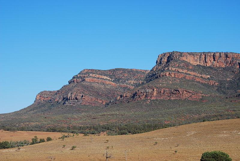 Wilpena Pound, Flinders Ranges (image)