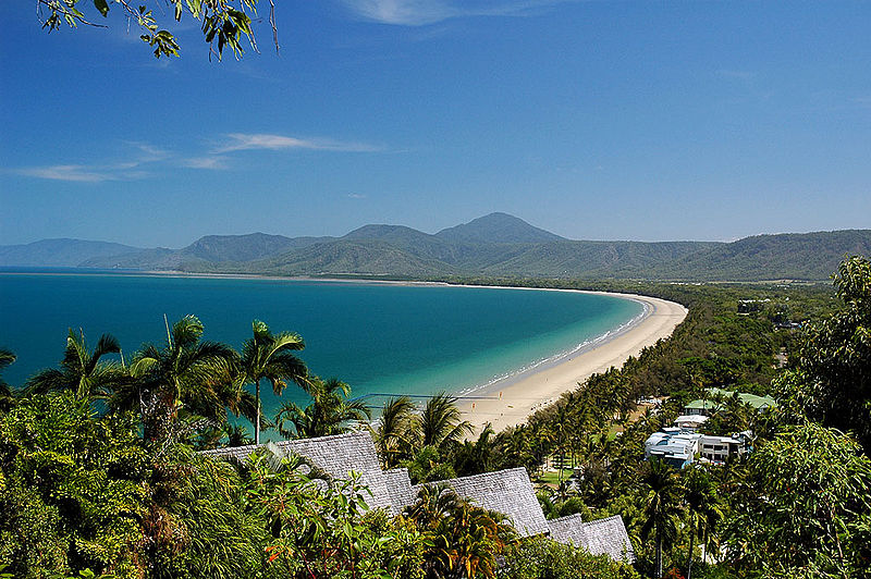 Four Mile Beach, Port Douglas, QLD (image)