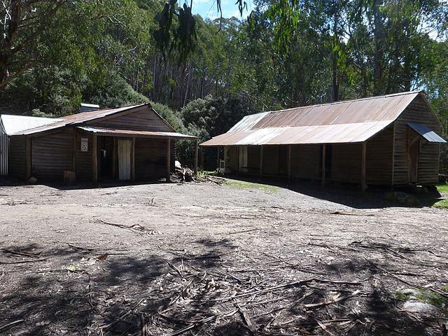 Ridgeback Hut, Victorian Alps, Australia (image)